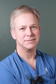 Låt oss få presentera vår käkkirurg Carl Manhem från London